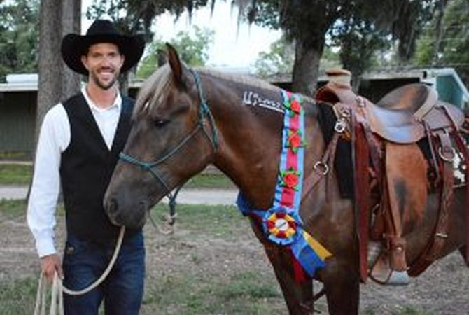 Extreme Mustang Makeover - Adult Division Champion - Craig Moore & Hay There Delilah